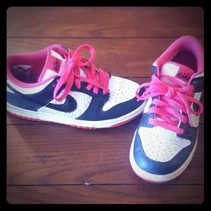 Nike 6.0's Pink, Black and White